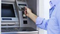 Kredi Kartı ATM'de Sıkıştığı Zaman Ne Yapılması Gerekiyor?