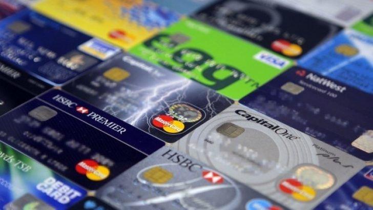 Öğrencilere Aidatsız Kredi Kartı Verene Bankalar